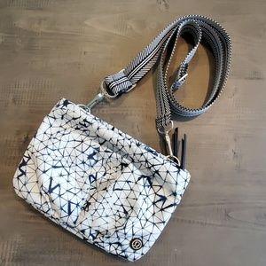 Lululemon crossbody bag no tags but never used.